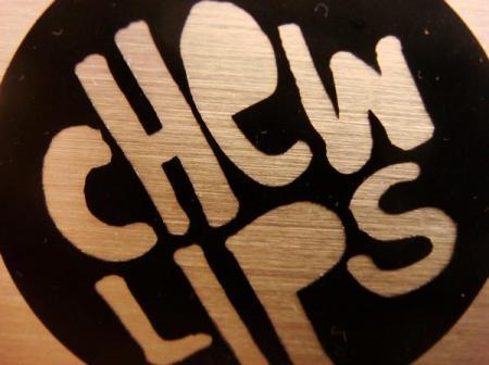 chew lips logo